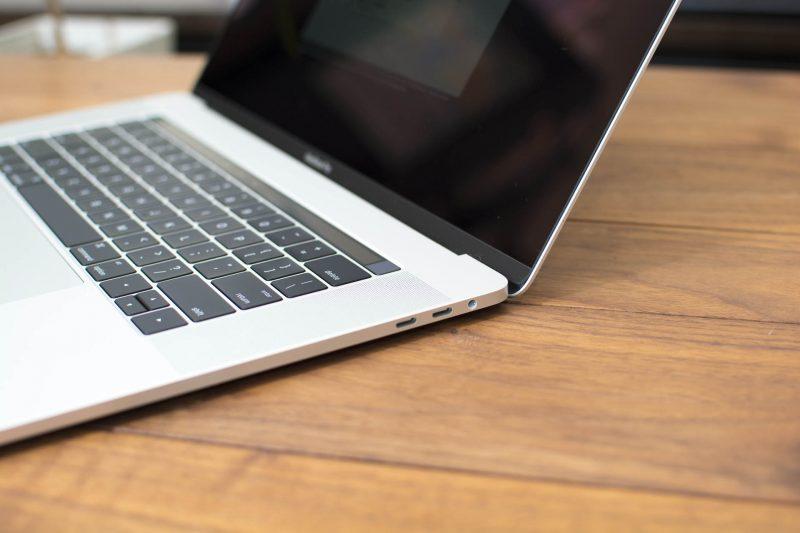 MAC USB-Cポート